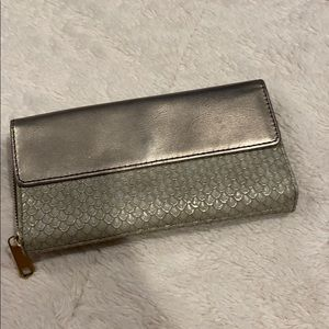 Fossil Silver Grey Scales Wallet